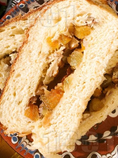 Пане паскале - козунак с канела и сирене рикота - снимка на рецептата